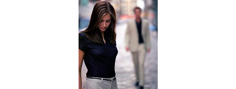 почему девушки убегают при знакомстве