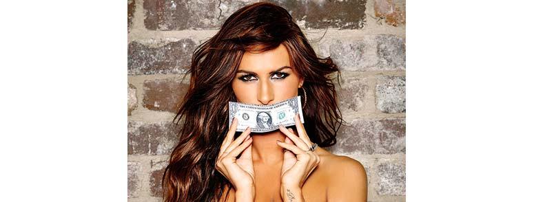 деньги у девушки